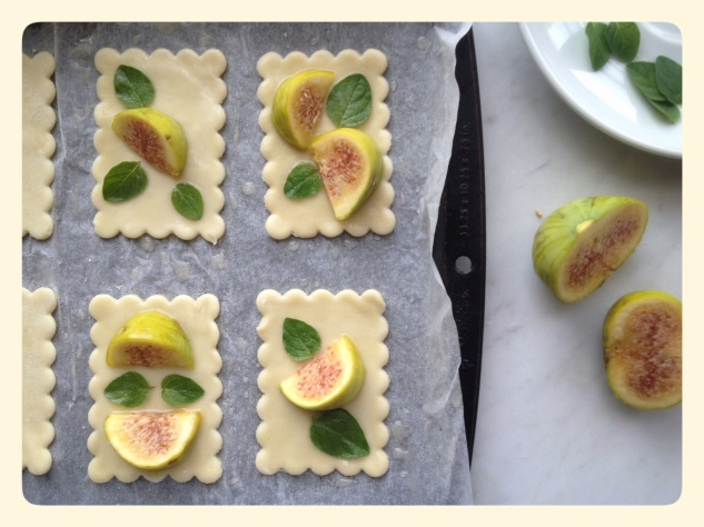 Fig Tarts with Puff Pastry